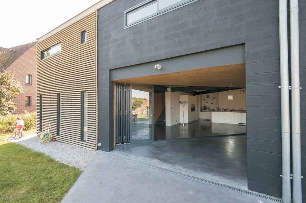 Private House Anstaing open aluminium bi folding doors